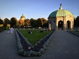 Dianatempel im Münchner Hofgarten bei Abendlicht