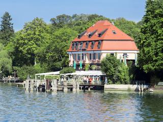 ship jetty Schloss Berg