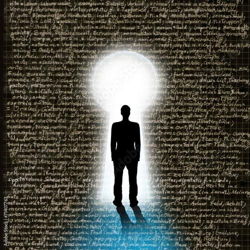 canvas print picture Silhouette eines Studenten vor Schlüsselloch