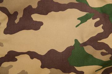 Divisa mimetica per missioni in zone desertiche