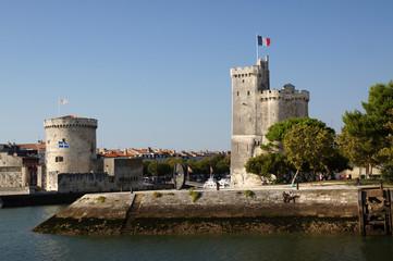 Tours de la chaîne et de Saint Nicolas - La Rochelle