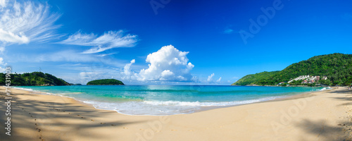 Keuken foto achterwand Strand Panoramic view of Nai Harn Beach in Phuket, on a sunny day