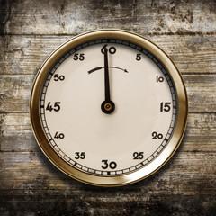 cronometro vintage in fondo legno