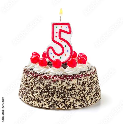 Geburtstagstorte mit brennender Kerze Nummer 5 - 71433300