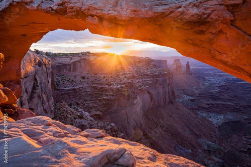 Fotobehang Canyon Mesa Arch Sunrise