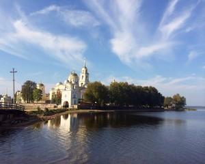 Нило-столбинский монастырь на озере Селигер
