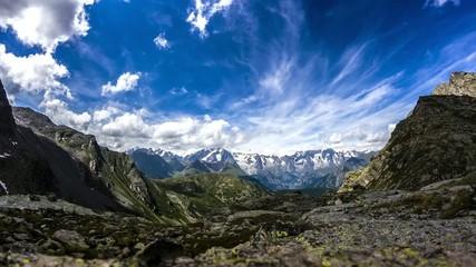 Monte bianco con nuvole