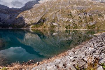 Lac de Zeuzier, lac de montagne, Suisse, Valais