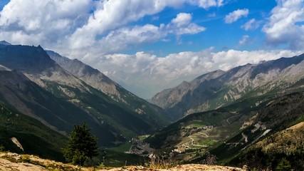 Valle montuosa