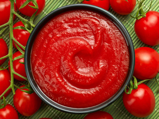 bowl of ketchup or tomato sauce