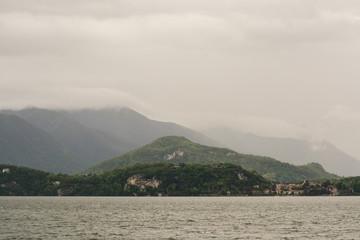 Regenwolken am Lago Maggiore