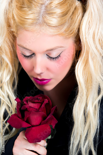 canvas print picture Blonde Frau mit roter Rose