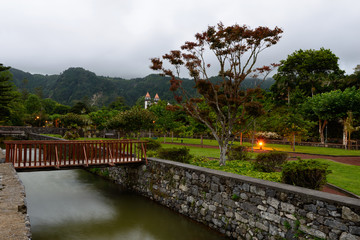 Jardim Açoreano ao anoitecer