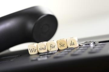 Wir sind für Sie Da mit Telefon