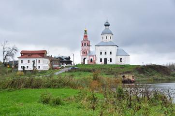 Панорама Суздаля летом, Ильинская церковь