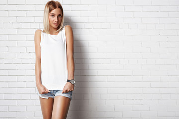 woman wearing white t-shirt