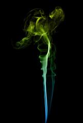 Kolorowy dym na czarnym tle