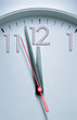 Leinwanddruck Bild - Clock hitting 12 O'clock