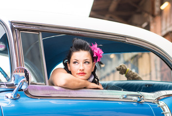 Junges Pinup Girl