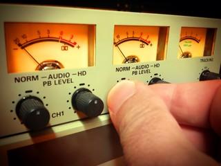 Regolazione livelli audio di registrazione
