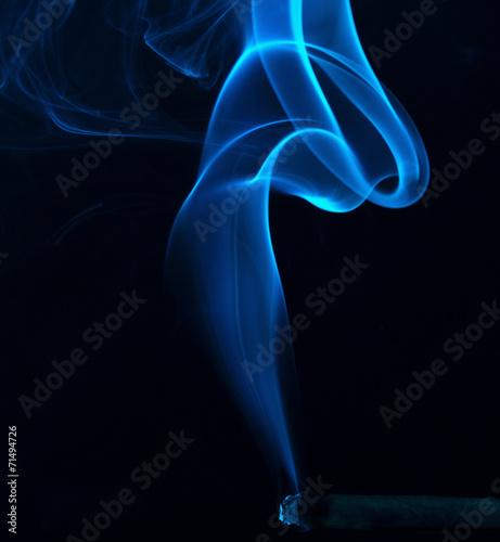 Foto op Aluminium Rook Blauer Rauch einer Zigarre
