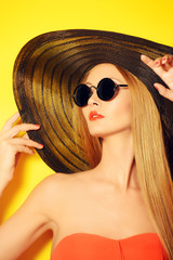 balck sunglasses