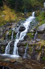 cascada lago engolaster