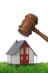 Haus Versteigerung - Immobilie mit Hammer