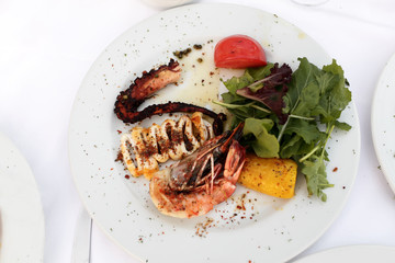 Grilled seafood with vegetables