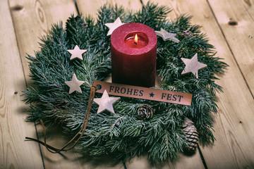 Weihnachtskranz auf Holz Karte