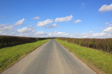 yorkshire wolds country road