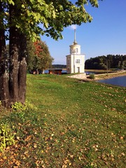 моныстырь на озере селигер