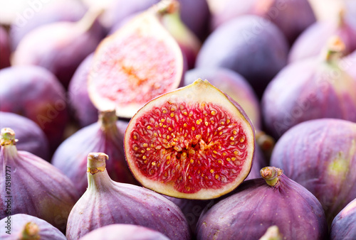 Papiers peints Fruits fresh figs