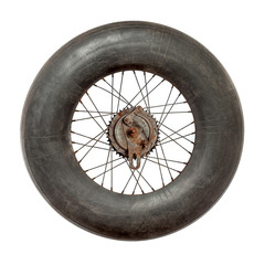 Spoke wheel with inflated tire tube