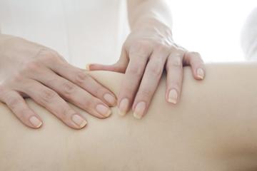 Hand have a slimming back massage