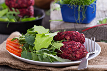 Vegan burgers with beetroot and red beans