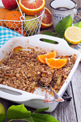Orange and apple crumble with oats
