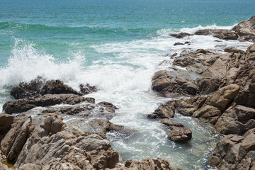 Felsen mit Meer