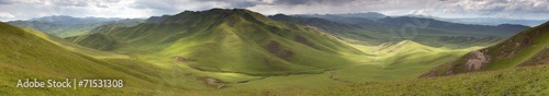 Tuinposter China Panaramic view of green mountains - East Tibet