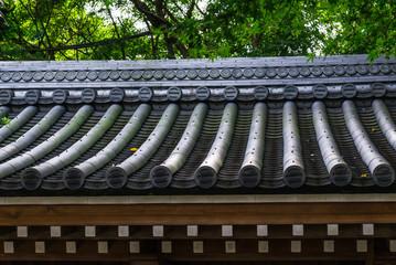 鎌倉 山門の屋根瓦 Kamakura