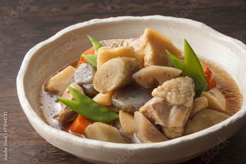 煮物 Cooking of simmered vegetable and chicken