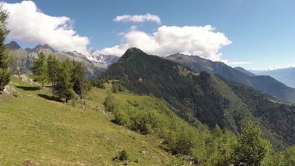 Valtellina (IT) - zona di Sondrio - Vista verso est