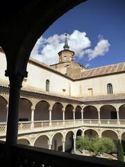 Patio, museo de Santa Cruz, Toledo