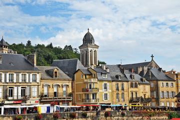 Montignac, Aquitania - il mercato lungo la Vezere