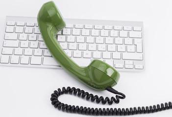 Telefonhörer und Keyboard
