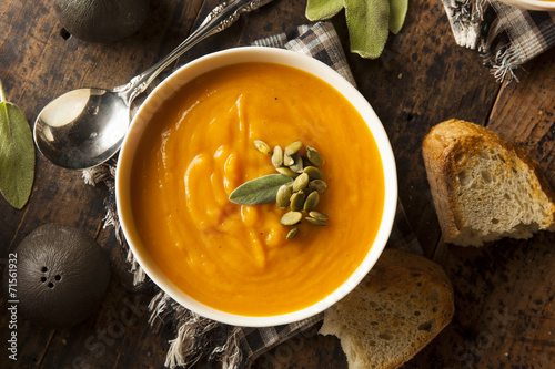 Foto op Canvas Voorgerecht Homemade Autumn Butternut Squash Soup