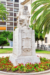 Statue in park  of Valencia -for Pintor Pinazo.Spain.