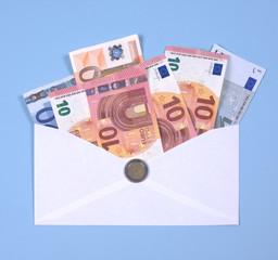 euro notes in envelope