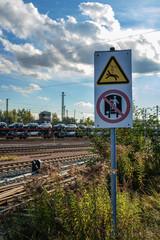Achtung Gleis mit Autozug