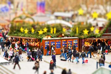 Weihnachtsmarkt Stuttgart - Tilt Shift Effekt